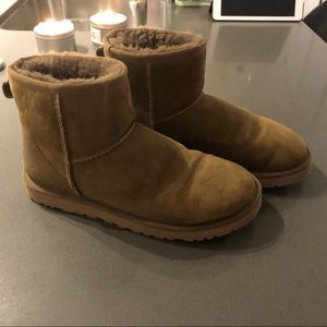 Shoes - Mini uggs - 9/10 condition - size 7